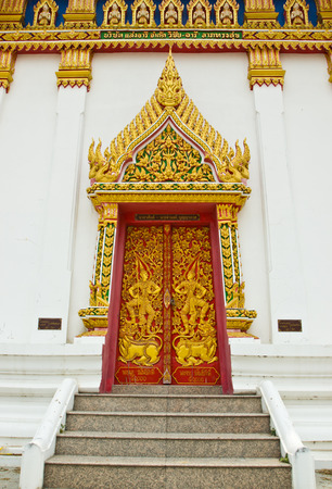 single story: doortemple bangkok thailand Stock Photo