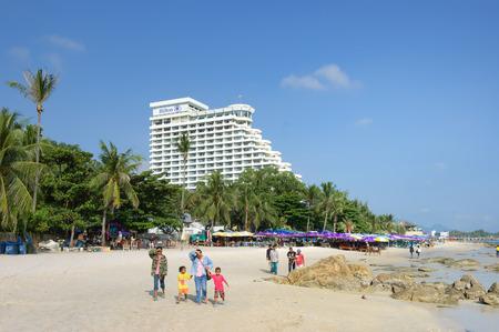 hua hin: Prachuap Khiri Khan, Thailand - October 19, 2006: Tourists walking on Hua Hin beach-- is the top travel destinations of Thailand