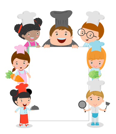 ni�os cocinando: Ni�os tomados de cocina construidos alrededor de un tablero en blanco, ni�os del cocinero que mira furtivamente detr�s de cartel, los Miembros ni�os del cocinero que sostiene un tablero grande, ni�os felices, ni�os lindos en el fondo blanco, ni�o en el sombrero de un cocinero.