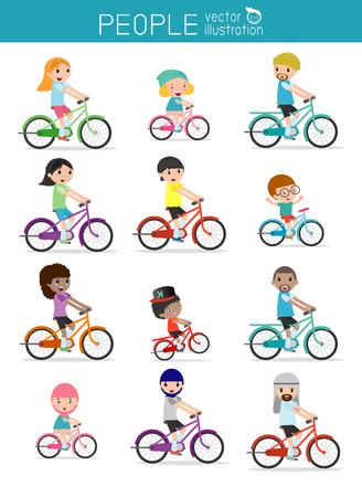 bicicleta vector: Conjunto de diversas bicicletas que monta la familia aisladas sobre fondo blanco. nacionalidades y estilos de vestir diferente. bicicletas montar a caballo feliz de la familia aislado en el fondo blanco, divierte a la familia. Vectores