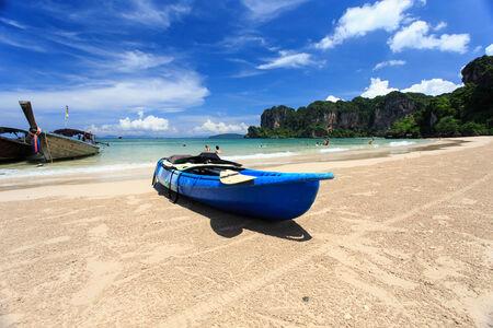 tasman: canoes on the beach