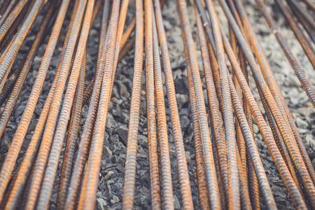 strenghten: Macro steel rods or bars used to reinforce concrete