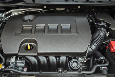 uvnitř: Zblízka detail nového motoru auta