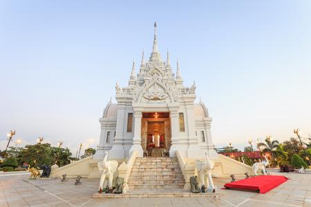 surat: SURAT THANI, THAILAND - JANUARY 2 : The City Pillar Shrine of Surat Thani province on January , 2016 in Surat Thani, Thailand. Surat Thani is province in southern of Thailand