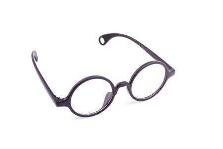 marcos redondos: Cierre de vidrios negros del ojo aislados en el fondo blanco