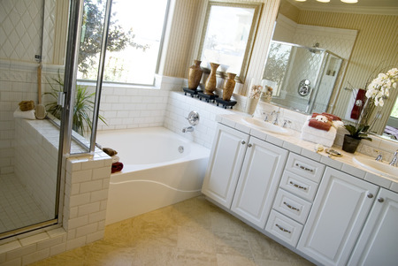 expensive granite: Beautiful Bathroom area