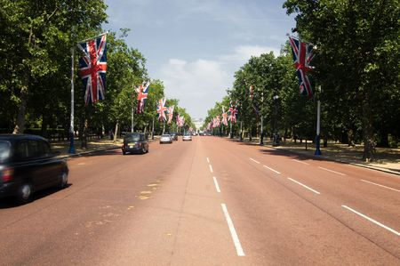 buckingham: The famouse mall road leading to Buckingham Palace in London Stock Photo