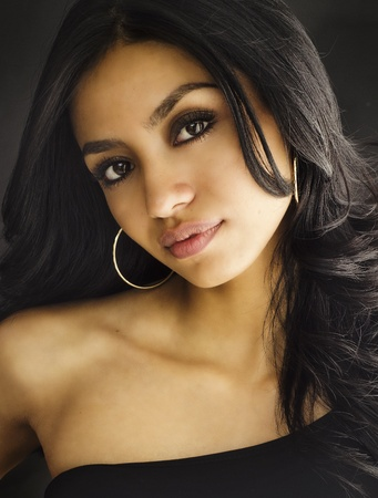 belle brunette: Belle femme exotique jeune