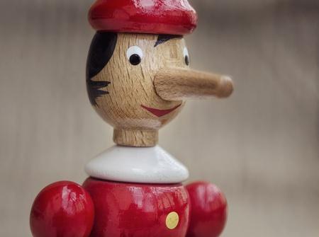 Pinokio nos Lie fotka fałszywe pojęcie prawdy Zdjęcie Seryjne