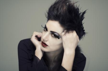 Gothic Frisuren Weiblich Kurz Yskgjt Com