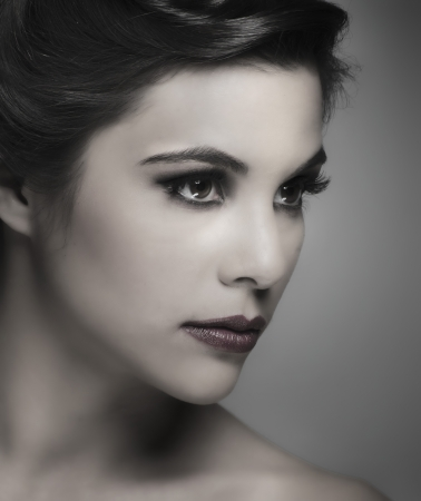 Classic old Hollywood style makeup and hair photo
