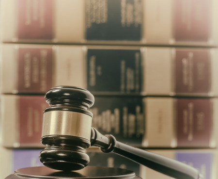 Legal law concept image gavel books 免版税图像 - 32483411