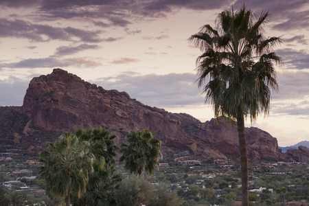Camelback Mountain, valley canyon resort destination area, Phoenix,AZ,USA 免版税图像 - 37551830