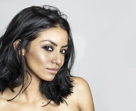 mujer sexi desnuda: Joven y bella mujer ex�tica