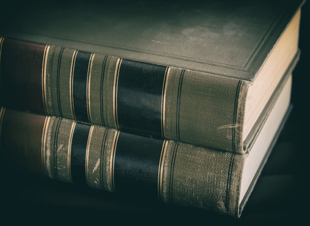 libros viejos: Legales libros de derecho Foto de archivo