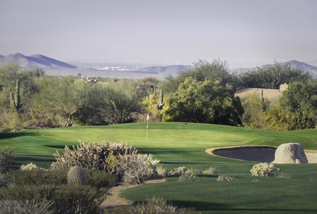 style de désert de l'Arizona milieu communautaire terrain de golf