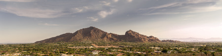 Phoenix,Az, Camelback Mountain, Wide extra detailed banner style landscape image 免版税图像 - 58184924