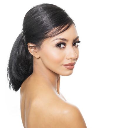nude young: Красивая женщина голые плечи и лицо