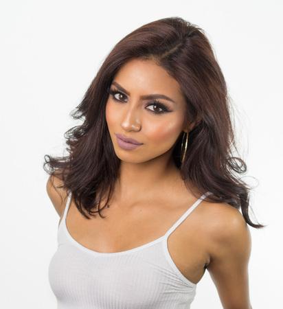美しい女性の顔と髪