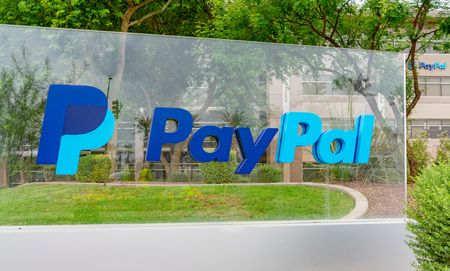 Chandler,Az/USA-8.15.18 Paypal Global Operations Center, an American company operating a worldwide online payments system that supports  money transfers and as a payment processor for online vendors. Imagens - 115891636