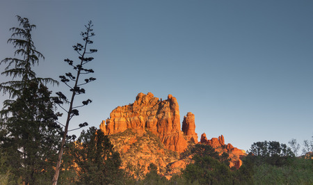 Sedona glows at sundown, Arizona Imagens - 114817888