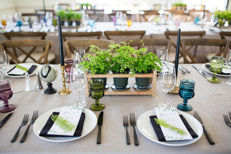 Place settings and table scape at a wedding