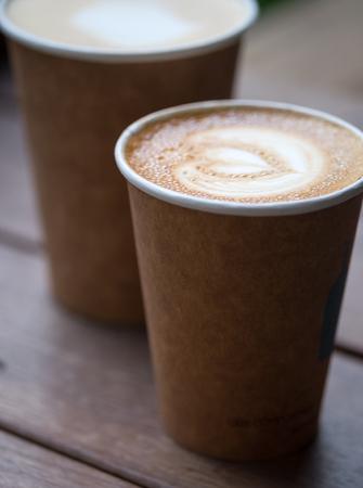 Art caffe latte sulla scrivania