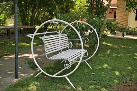 swing seat: Swing seat in the garden