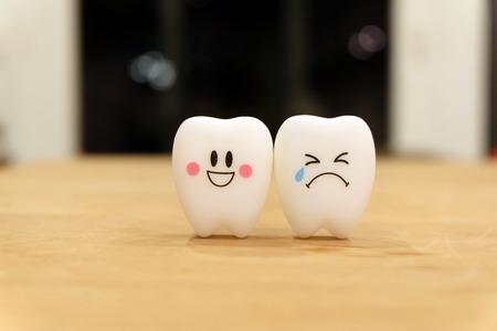 Zähne nettes Spielzeug Standard-Bild - 41821262