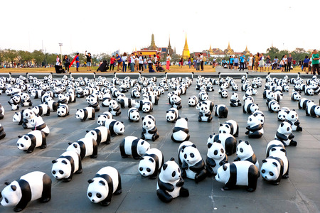wildlife conservation: BANGKOK, THAILAND - MARCH 4, 2016: 1600 Pandas+ World Tour in Thailand 1,600 Paper mache pandas to communicate the importance of wildlife conservation and environmental, Exhibition in Bangkok the first day at Sanam Luang (Royal Floor)