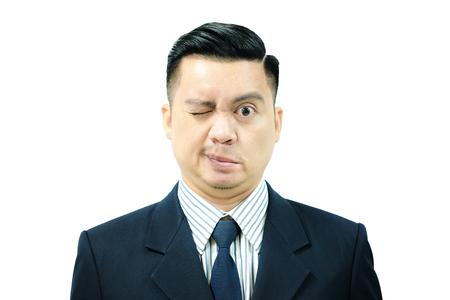Aziatische man met Bell's verlamming. Sluit ogen met slechts een half gezicht