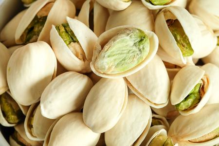 Geroosterde gezouten Pistaches zijn gedroogde noten van dichtbij