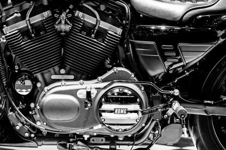 Bangkok, Thailand - April 5, 2017: Close-up engine of motorcycle Reklamní fotografie - 113232878