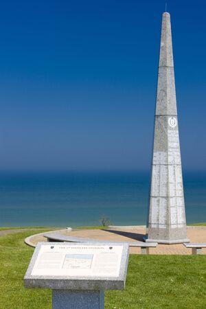 seconda guerra mondiale: La 1a divisione di fanteria monumento vicino a Omaha Beach, Normandia, Francia Editoriali