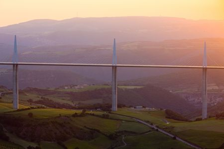 auroral: Millau Viaduct, Aveyron D�partement, France Editorial