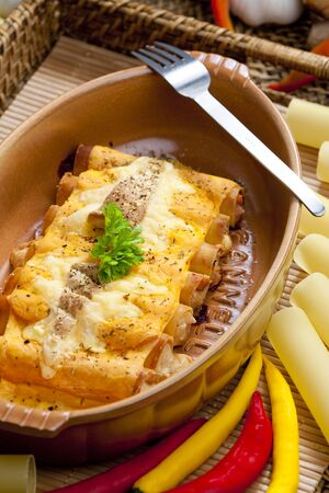 italien: cannelloni with goat cheese and ham