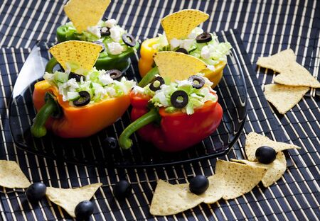 aliments: peppers filled with salad