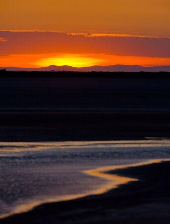regional: puesta de sol, parque regional de Camargue Provenza, Francia  Foto de archivo