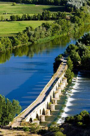 castile leon: Roman bridge, Toro, Zamora Province, Castile and Leon, Spain Stock Photo