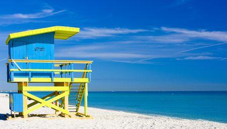 ビーチ、マイアミビーチ、フロリダ州、アメリカ合衆国にキャビンします。 写真素材