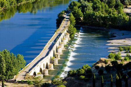 zamora: Roman bridge, Toro, Zamora Province, Castile and Leon, Spain Stock Photo