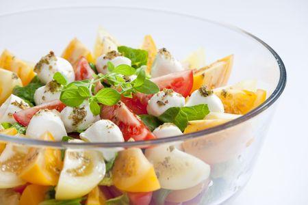 aliments: rajèatový salát s mozarelou
