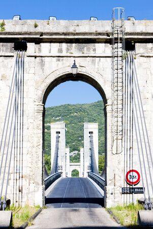 Le pont du robinet - puente sobre el río Ródano, Donzere, Departement de Arras, Rhône-Alpes, Francia Foto de archivo - 6521379