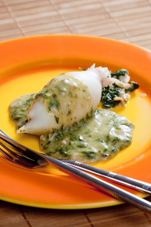 sepias: sepia filled with spinach and ham with spinach and ricotta sauce