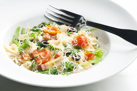 parma ham: pasta farfalle with Parma ham and cherry tomatoes
