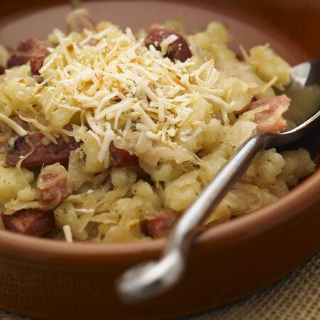 bodegones: halusky con col y bacon (cocina de Eslovaquia)