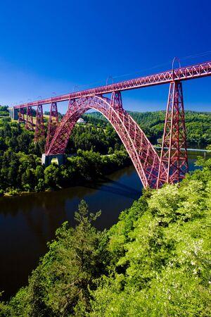 cantal: Garabit Viaduct, Cantal Département, Auvergne, France Stock Photo