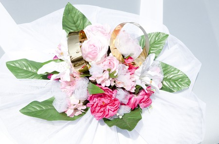 alliances: wedding decoration