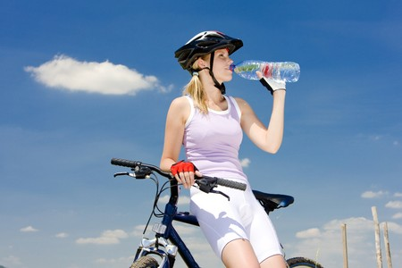 bicyclists: biker with bottle of water