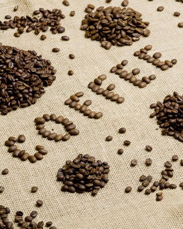 bodegones: signo de hecho de granos de caf�  Foto de archivo